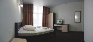 Купить комнату и накопить на квартиру?