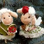 Новогодний подарок. Влюбленные овечки.