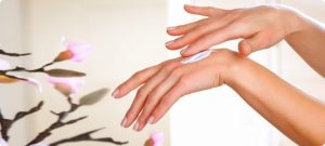 Побалуйте ваши ручки, или Несложный уход за руками в домашних условиях