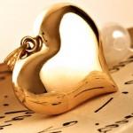 gold-pendant-heart