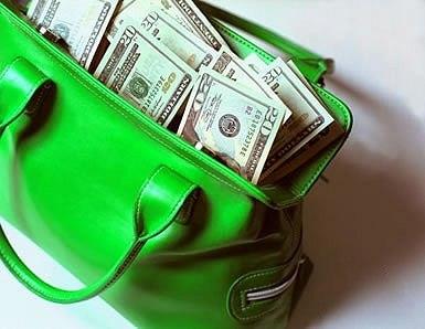 Сколько брать денег в Крым?