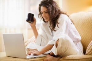 Как заработать деньги, сидя дома