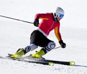 54581b2e3b4e Те, кто раньше катался на деревянных лыжах, переходя на пластиковые ужасно  мучаются…по началу. Так как у пластиковых больше отдача, но и скольжение.