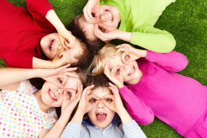 Почему мы завидуем детям? Что взять с собой из детства?
