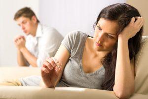 6 методов, как мужчина манипулирует женщиной и подрывает ее уверенность в себе.