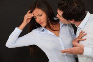 Как мужчины обвиняют женщин и при этом продвигают свои интересы? (Часть 1)