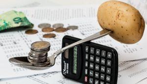 Как научиться экономить? Попробуйте пожить на прожиточный минимум.